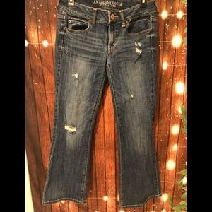 American Eagle distressed jeans size 6 short